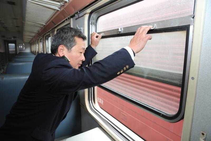 """你知道吗?福州到南平有趟""""开往春天的通勤车"""""""