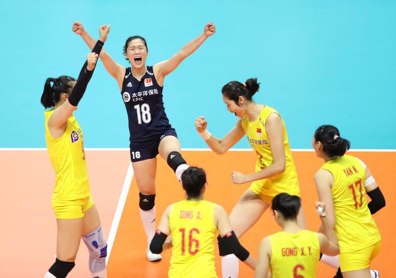 """七连胜!中国女排3-0击败""""最强对手""""美国队"""