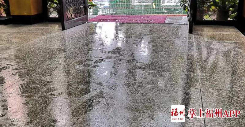 """福州遇""""回南天""""!防疫要开窗通风,还是关窗防湿?"""
