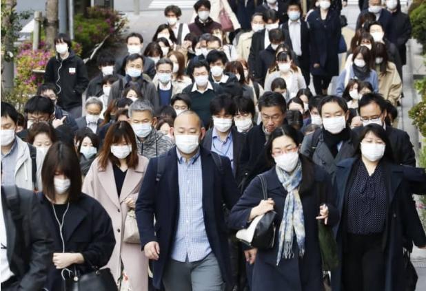 轻视政府要求,六成日本人出现新冠肺炎疑似症状仍上班