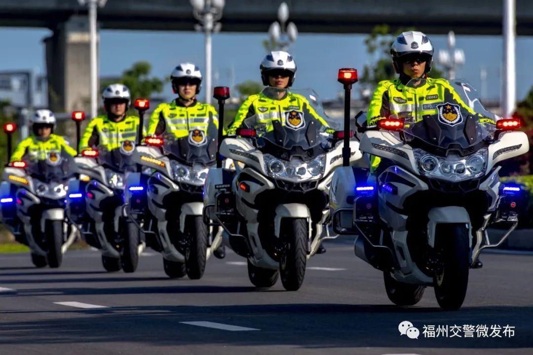 爆帅!福州骑警全新升级,炫酷亮相!
